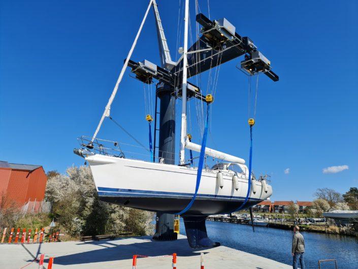 vinteropbevaring af sejlbåd med mast